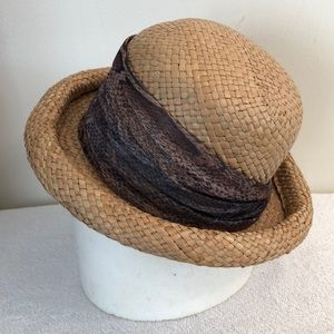 Pretty straw hat / scarf approx  21 inches inside